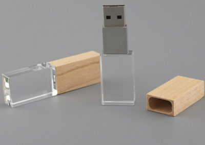 Crystal and bamboo USB